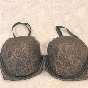Beautiful VS Dream Angels Demi Bra EUC!